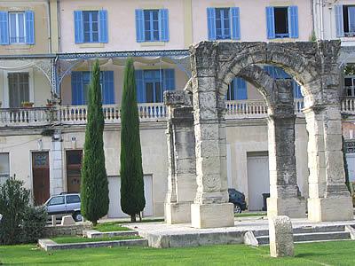 Arc romain tourisme photos cavaillon - Office de tourisme de cavaillon ...