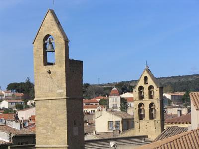 Villages de provence photos de salon de provence for Badminton salon de provence
