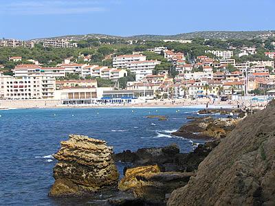 Residences plage cassis hotels et meubles - Office tourisme de cassis ...