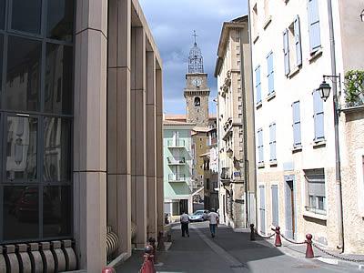 Photo de rue en provence for Piscine de digne les bains
