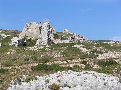 La fare les oliviers village vignobles aoc for Piscine la fare les oliviers