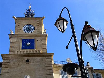 Photo tour de l 39 horloge photos de salon de provence for Porte de l horloge salon de provence